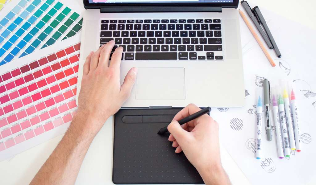 23 Best Gift Ideas for Graphic Designers